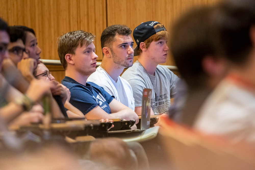Students listen to a lecture in Oak Hall